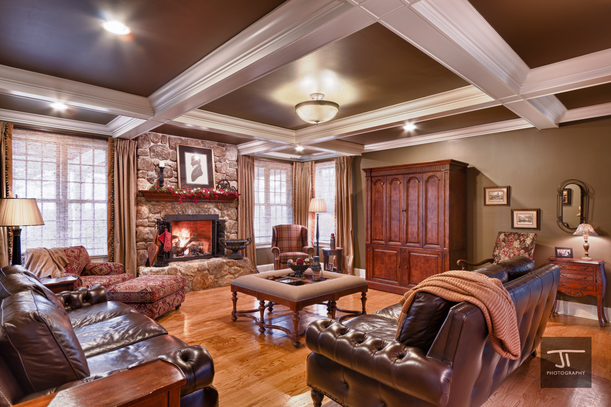Westborough Mansion Family room – Jeremiah True graphy